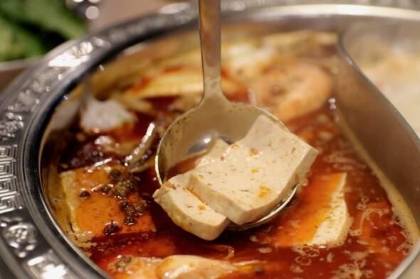 這香太逼人~冬天必吃麻辣奶香嫩豆腐!
